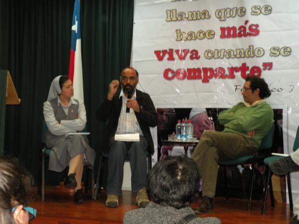 Iquique - Pastoral Social Caritas organizó Conversatorio