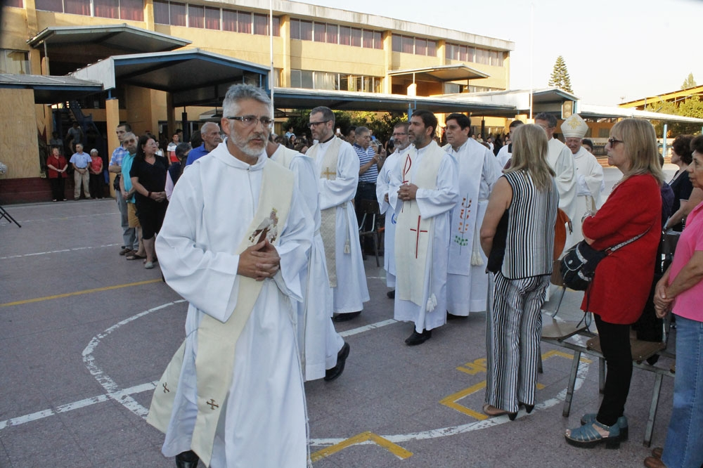Escuela de Verano de Maipú recibe a cardenal Ezzati