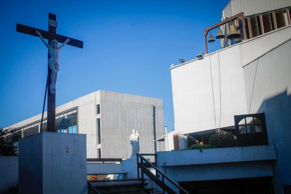 Quilicura ofrece curso de Biblia en francés para haitianos