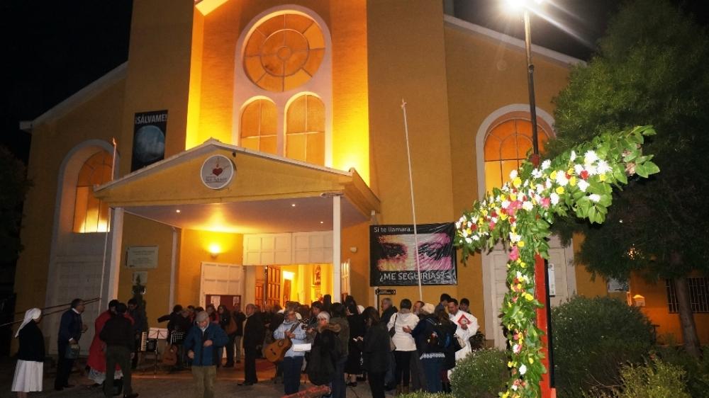 Con cantos populares se celebr exaltaci n de la santa for Viveros en rancagua